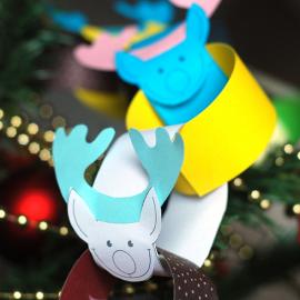 Гирлянда — олени Деда Мороза